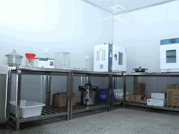 乐汇饮料糖浆化验室